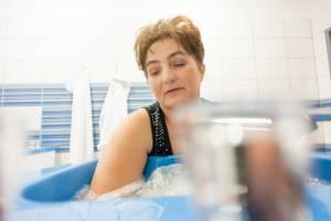 Kąpiel wirowa kończyn górnych